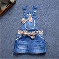 Novo 2017 Da Marca Do Bebê Meninas Denim Vestido de Verão Meninas Vestido Suspender Denim Flor Do Coração-print Mini Vestido de Verão para Crianças de Todos Os Jogo Vestido