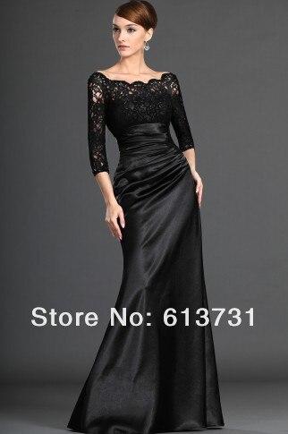 Langes schwarzes abendkleid mit spitze
