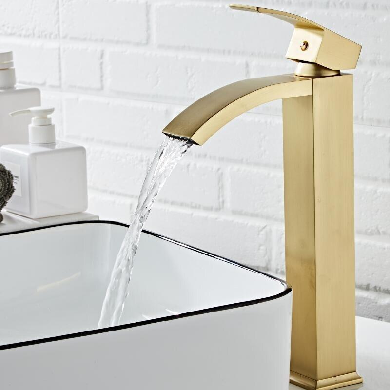 Basin Faucet  Brass Brushed Gold Bathroom Faucet Single Handle Torneiras Para Pia De Banheiro Sink Wash Faucet Waterfall Faucet