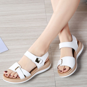 Image 5 - DONGNANFENG Frauen Weibliche Damen Mutter Echtem Leder Schuhe Sandalen Wohnungen Weichen Haken Schleife Koreanische Bling Sommer Strand NM 1003 1