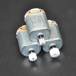 Free Shipping 3Pcs/ 130 Small DC motor 3 to 5V Miniature motor four-wheel motor small+(Gear package 3pcs)