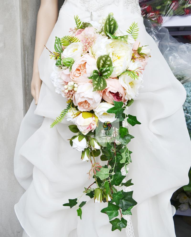 Bouquet Cascata Sposa.Stile A Cascata Wedding Bouquet Da Sposa Fatto A Mano Fiore Della