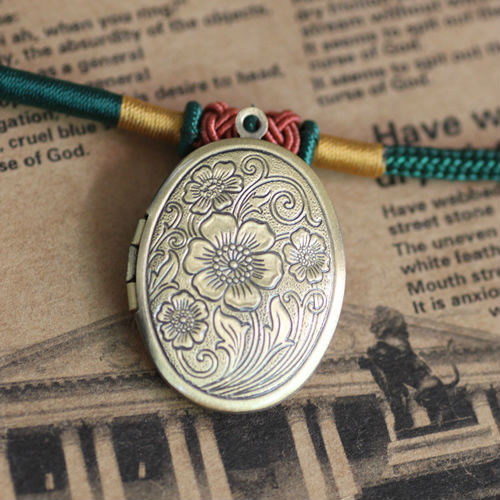 2pcs Wholesale ANTIQUE BRONZE 23*29mm Oval PHOTO LOCKET Blank For Necklace Pendant&Charm DIY Jewelry Findings&Settings