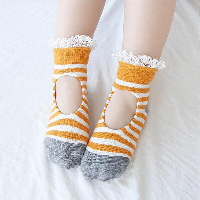 0-1-2-3-4-5-6y Kleinkinder Säuglinge Socken Baby Mädchen Prinzessin Spitze Socken Blume Mädchen Streifen Frühling Summer Kleidung Neue