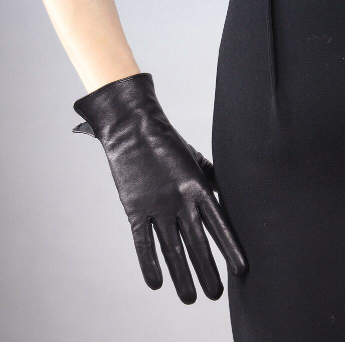 Women'a Natural Sheepskin Leather Black Touch Screen Driving Glove Lady's Fleece Lining Genuine Leather Motorcycle Glove R620