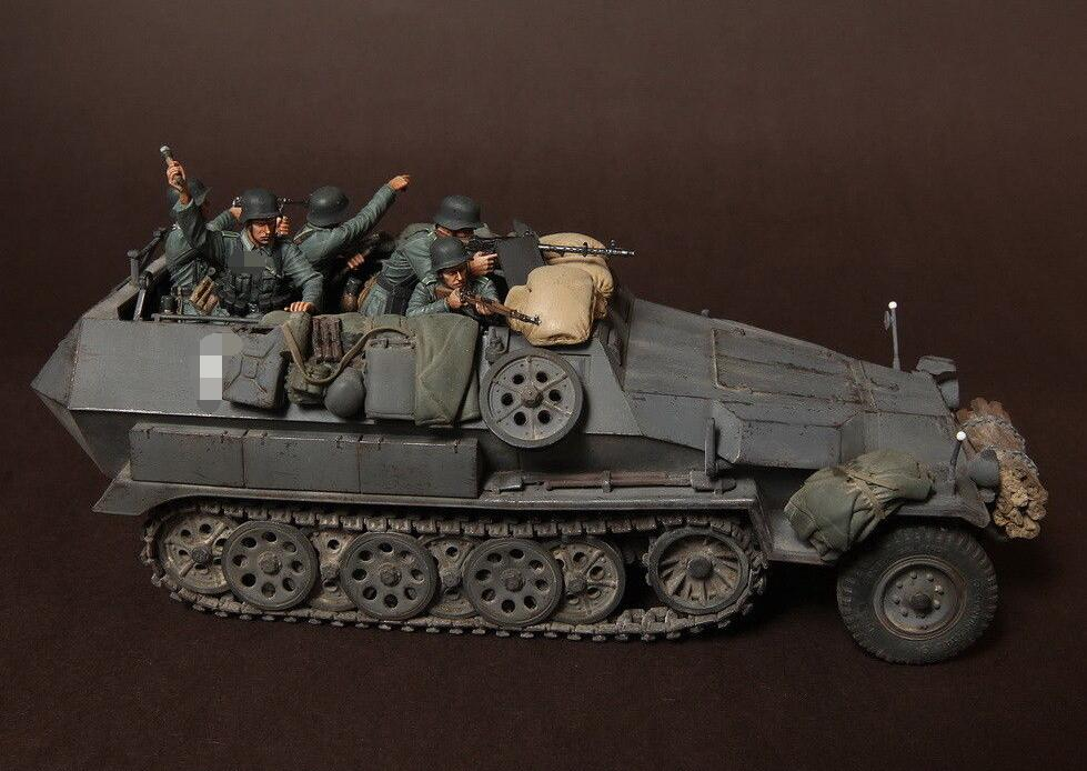 1/35 Panzer Soldier In Battle (5 Figures) (NO CAR)   Resin Model Miniature  Figure Unassembly Unpainted