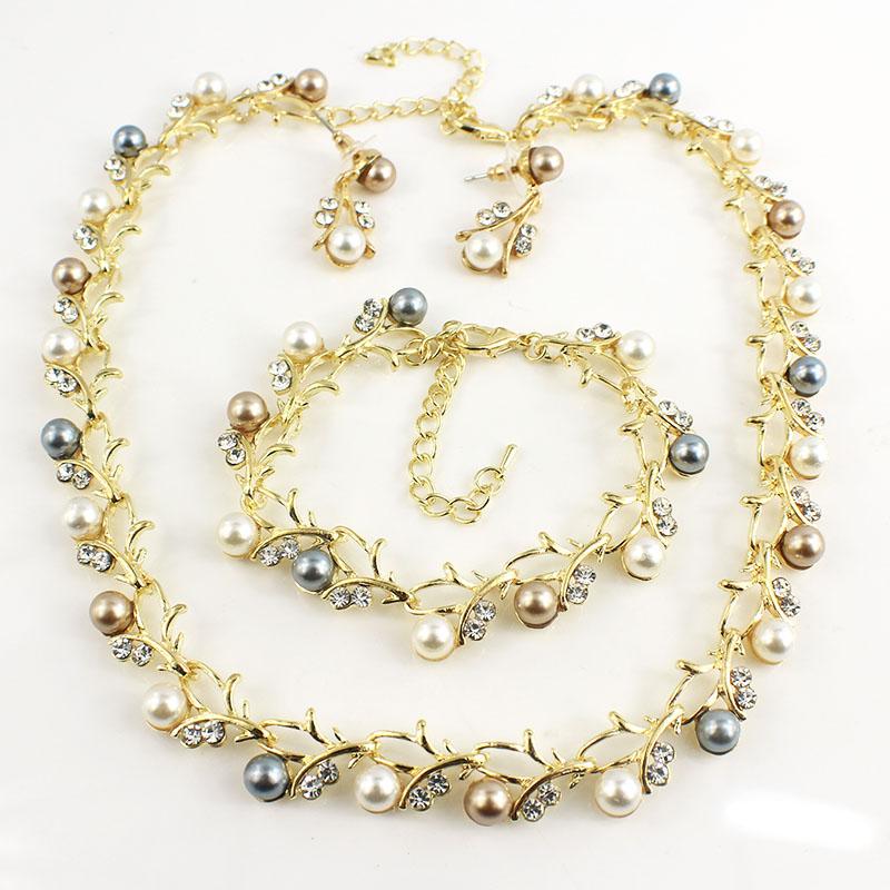 HTB1YtqBSFXXXXXaXVXXq6xXFXXXs Luxurious Pearl And Crystal Wedding Party Jewelry Set - 5 Colors