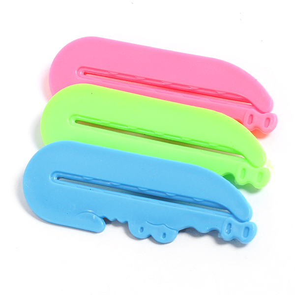 3 Pcs/lot Toothpaste Tube Squeezer Easy Press Dispenser Crocodile  8599