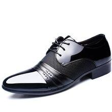 2500853e8 Sneaker Sapatos de Couro Homens Se Vestem Sapatos Masculinos Outono Apontou  Comércio Homens Formais Sapatos de