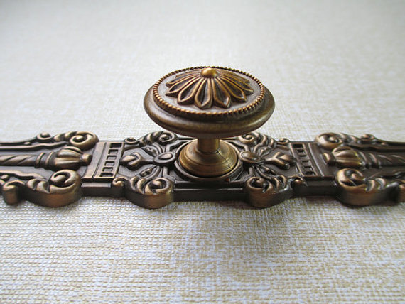 Dresser Knobs Drawer Knobs Pulls Handles / Kitchen Cabinet Knobs Pull Handle Hardware / Antique Brass Vintage Furniture Knob 5 drawer knobs pull handles dresser knob pulls handles antique black silver furniture hardware kitchen cabinet door handle pull