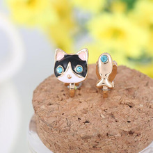 Grace Jun(TM) Korea Style Cat Fish Shape Enamel Clip on Earrings Without Piercing for Girls Party Cute Animal No Hole Ear Clip