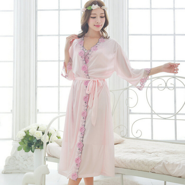 Free shipping women pink Embroidery nightdress pajamas plus size robe sets bathrobe Sleepwear nightgown night dress M1811-1