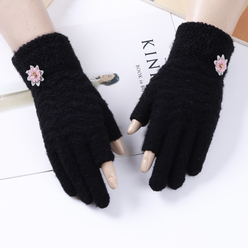 TN 2018 New Autumn and winter creative gloves cashmere monochrome finger touch screen outdoor warm gloves