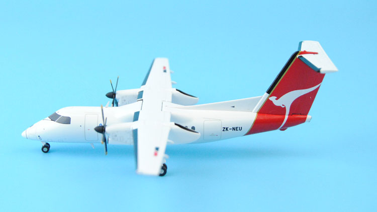 Gifts JC W 1: 200 XX2585 [New Zealand] DHC-8-100 Alloy aircraft model Favorites Model fine special offer jc wings 1 200 xx2457 portuguese air b737 300 algarve alloy aircraft model collection model holiday gifts