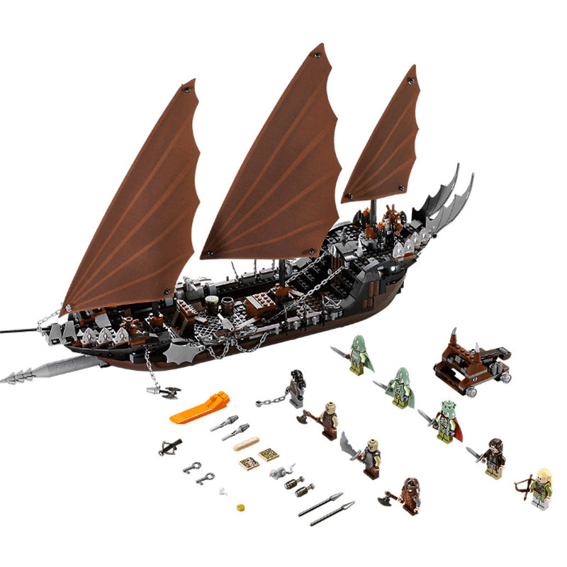 16018 LEPIN Lord of the Rings  The Ghost Pirate Ship Model Building Blocks Enlighten Figure Toys For Children Compatible Legoe laying the ghost