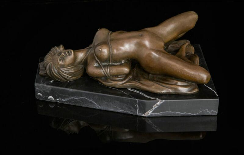 Sexy nude women wood carvings