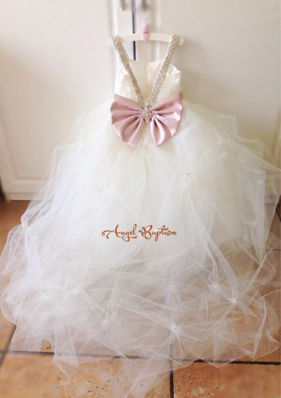 White/Ivory Puffy Tulle toddler first communion Ball Gown With pink Bow Pearls Crystals Flower Girl Dress For Wedding Party white ivory sleeveless open back lace knee length flower girl dress with sequin bow puffy ball gown tulle first communion gow