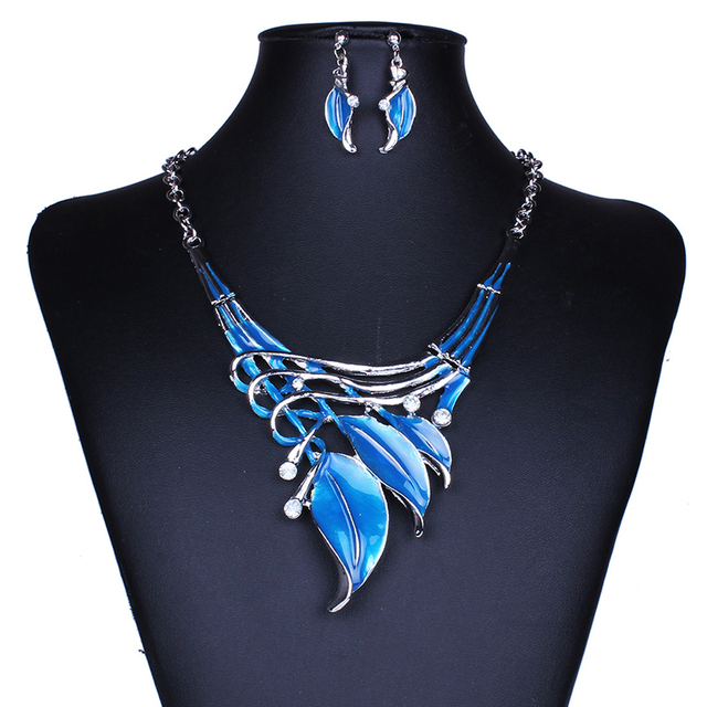 Bohemia Leaves Shaped Jewelry Sets Drip Oil Pendant Necklace Earrings Set For Women Wedding Party Jewelry Gifts