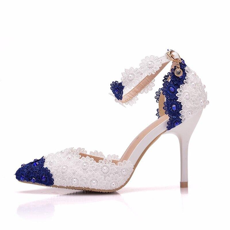 9 cm Blau und Weiß Spitze Blume bankett bühne sandalen Süße Spitze Brautjungfer Schuhe Spitz Mädchen Hochzeit Partei Pumpen-in Damenpumps aus Schuhe bei  Gruppe 3