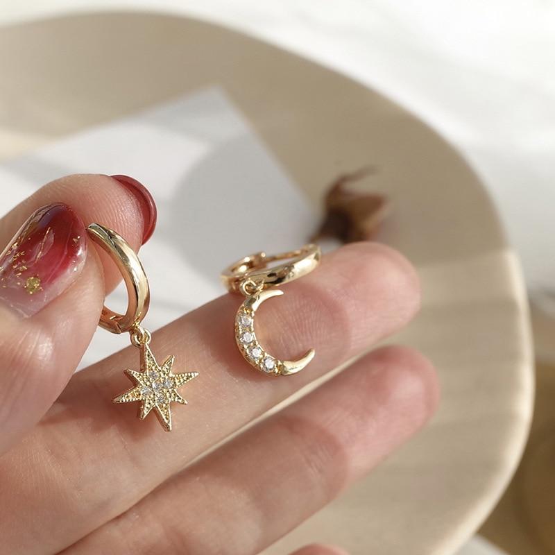 2019 New Arrival Fashion Classic Geometric Women Dangle Earrings Asymmetric Earrings Of Star And Moon Female