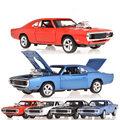 1970 Dodge зарядные устройства R / T быстрый и разъяренный 1:32 модель автомобиля детские игрушки литья под давлением свет звук мустанг претендентом спортивный автомобиль подарок