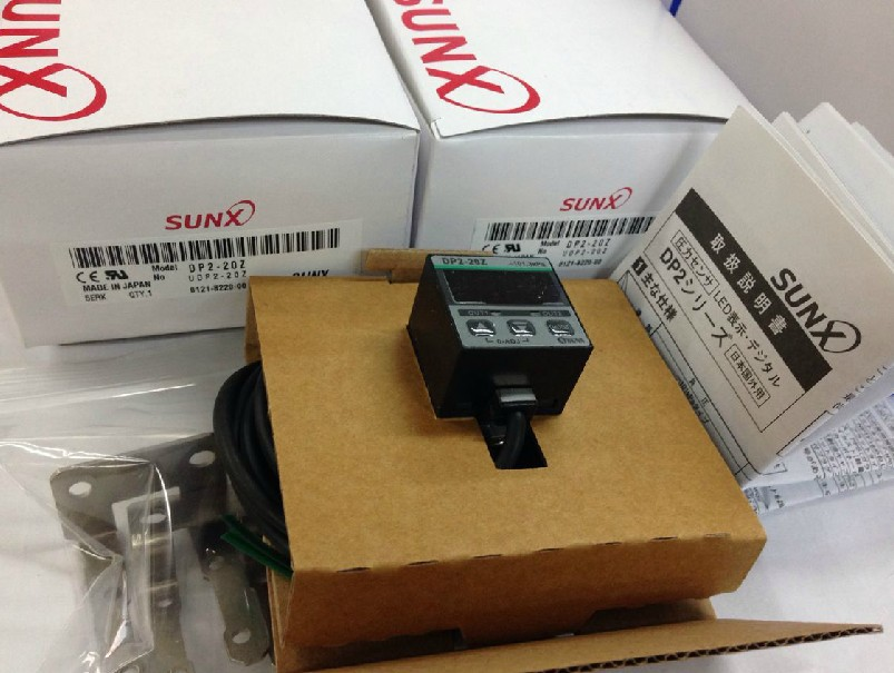 NEW! SUNX DIGITAL PRESSURE SENSOR DP2-22Z DP222Z 12-24 VDC dhl ems 5 sests 1pc new sunx sensor pm2 lh10 pm2lh10