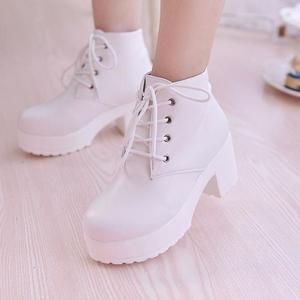 Image 1 - YEELOCA 2019 المرأة الأحذية واحدة جديدة أحذية الخيل كعب مربع جولة تو الربيع أحذية عالية الكعب الدانتيل متابعة حجم كبير 35 45
