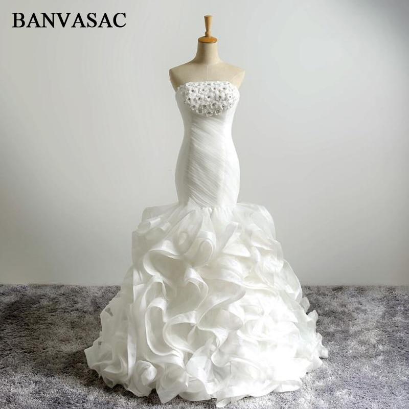 BANVASAC 2017 Νέα γοργόνα Κομψά λουλούδια Ρουχισμός χωρίς στράπλες Αμάνικα Κρύσταλλα σατέν Sweep Train Lace Νυφικά εσθήτες