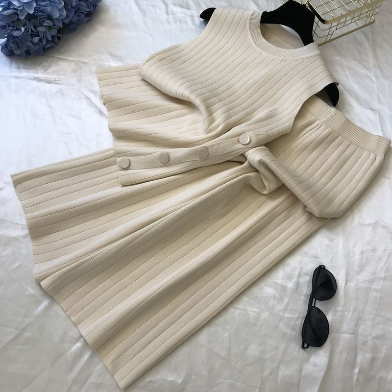 Женская трикотажная жилетка без рукавов с пряжкой в Корейском стиле + свободные трикотажные широкие брюки, комплект из двух предметов, лето