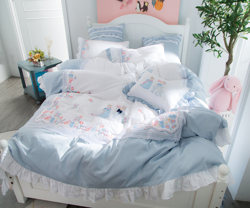 Luxury Egypt Cotton Fairy tales Lace Bedding Set Embroidery Ruffles Duvet cover Bed Sheet Pillowcases Queen King Size 4/6/7PcsLuxury Egypt Cotton Fairy tales Lace Bedding Set Embroidery Ruffles Duvet cover Bed Sheet Pillowcases Queen King Size 4/6/7Pcs