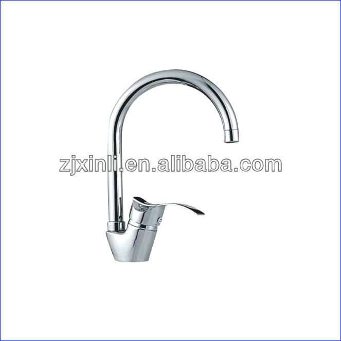 Retail Luxury Brass Kitchen Faucet Deck Mounted Brass Kitchen Mixer Chrome Finish Kitchen Tap 10PCS Lot