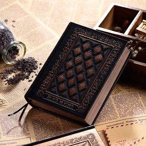 Image 1 - 416 páginas de espessura vintage em relevo xadrez retro notebooks alívio europeu antigo ouro capa dura notebook leiteria