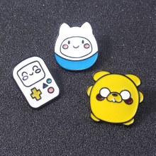 купить Adventure Time BMO Finn Jake Badge Brooch Cute Cartoon Figure Pins Brooches Coat Hat Backpack Accessories for Kids Gift по цене 97.67 рублей