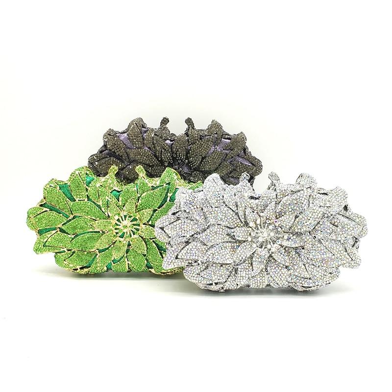 กระเป๋าถือสุภาพสตรีเจ้าสาวจัดงานแต่งงานกระเป๋าสตางค์กระเป๋าสตางค์ของผู้หญิงกระเป๋าเพชรหรูหรา lotus ดอกไม้ clutches elegant คริสตัลกระเป๋า-ใน กระเป๋าหูหิ้วด้านบน จาก สัมภาระและกระเป๋า บน   1