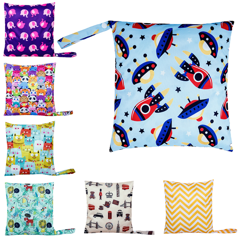 2019 New Waterproof Reusable Wet Bag Printed Pocket Diaper Nappies Bags Travel Wet Dry Bags Size 30x28cm Diaper Bags