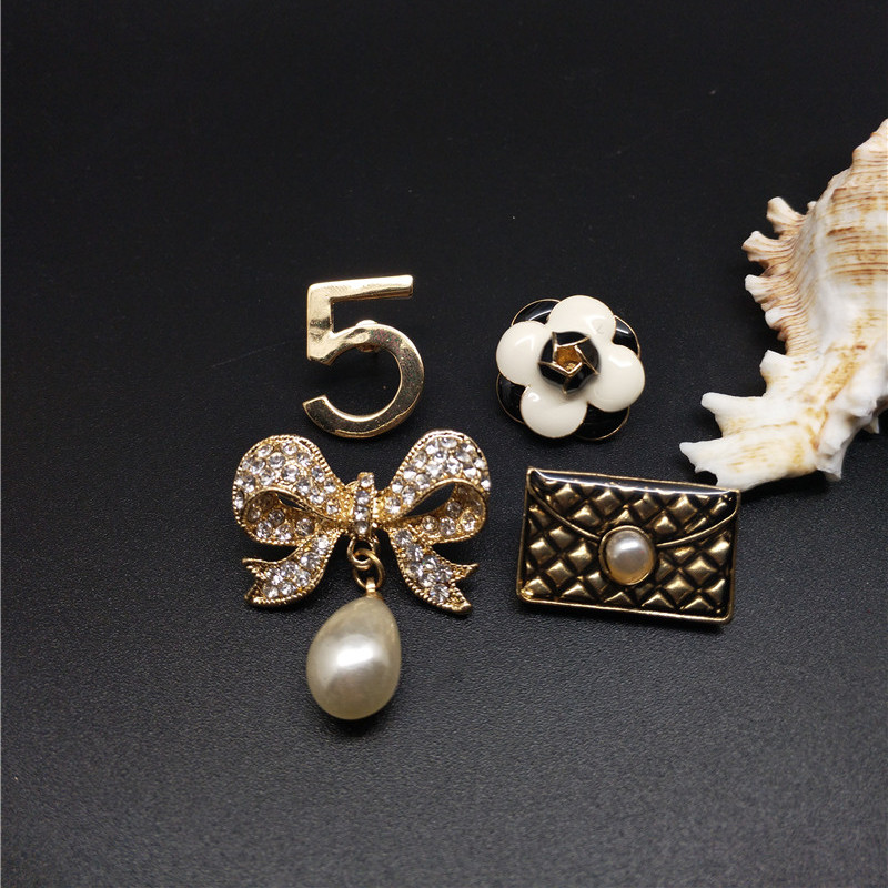 Luxury CC Pins Brooch Safety Pins 5 Number Camellia Broaches For Women Wedding Sweater Bag Accessories Sets Lapel Pins