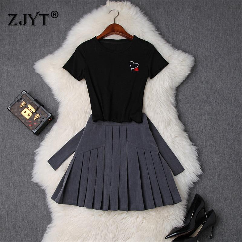 Preppy Style femme 2 pièces ensemble de vêtements avec jupe 2019 été nouveau Designer manches courtes T petit haut et Mini jupe plissée ensembles