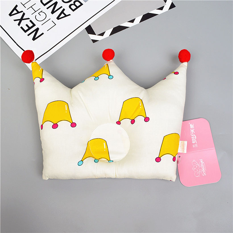 Newborn Baby Pillow Baby Positioner Anti Roll Crown Shaped Flat Pillow For 0-2 Years Kids Baby Neck Pillows Baby Room Decor