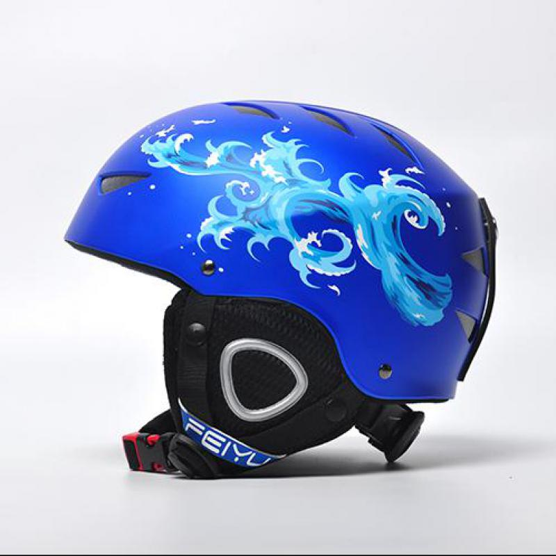 ФОТО New Brand Ski Helmet Ultralight Integrally-molded Professional Snowboard Helmet Men Women Kids Skating/skateboard Helmet Colored