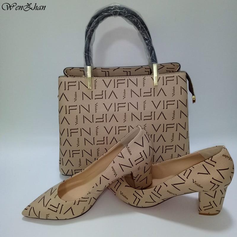 WENZHAN 2019Top Qualität Weiche Schuhe Customed Ferse Büro Dame Schuhe Spiel Gut Mode Medium Handtasche Sets Fabrik Direkt A93 8-in Damenpumps aus Schuhe bei  Gruppe 1
