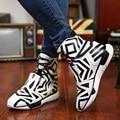 Mens peculiar cruzamento de zebra botas modelo jogo de cores preto e branco alta moda top sapatos para homem pinto estilo botas venda quente