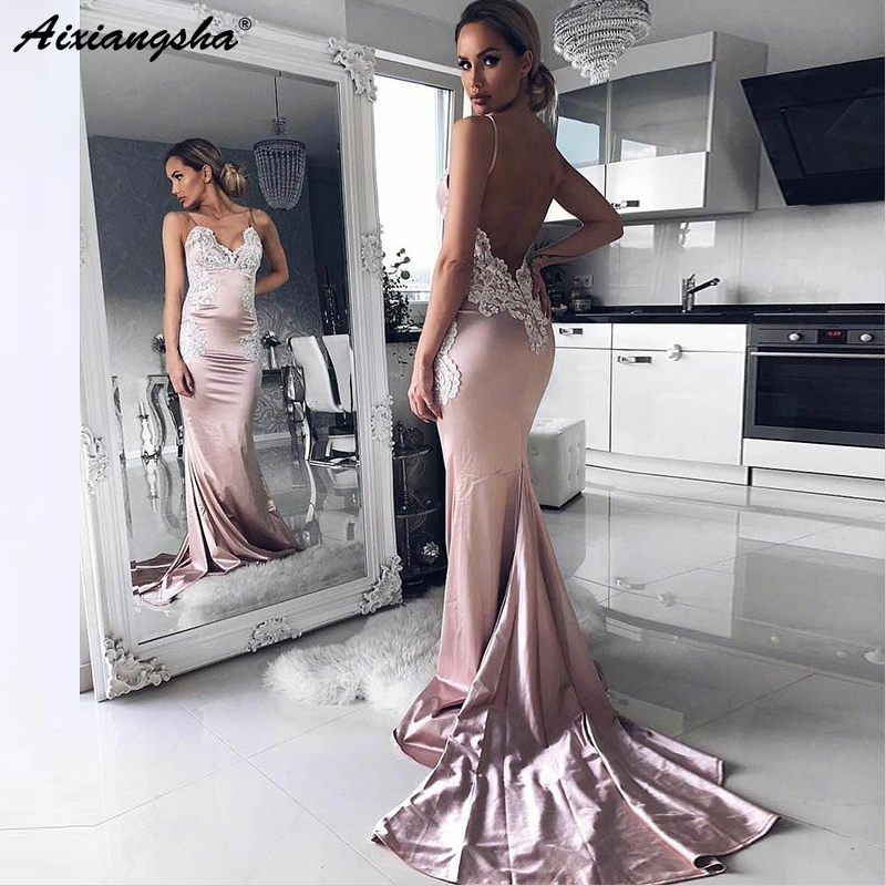 Beautiful Lace Appliques Backless V-Neck Spaghetti Straps Champagne Formal Evening Gowns Satin Mermaid Prom Dress 2019