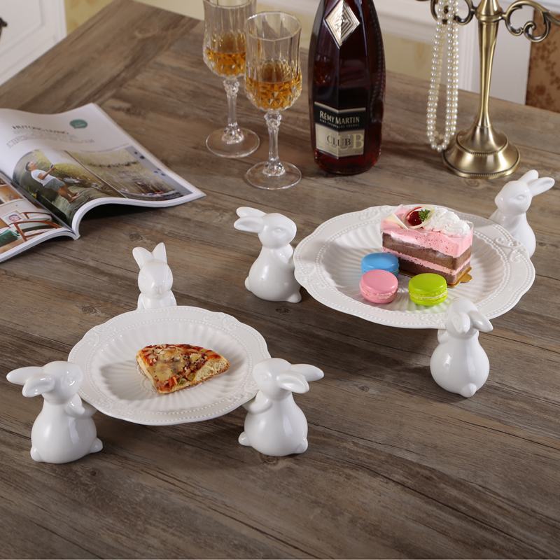 Nordic Cute White Ceramic Three Bunny Hold Cake Plate