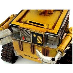 Image 3 - ウォール e ロボット映画モデル冷間圧延鋼金属アクションフィギュア玩具人形 robote 手作り工芸品 juguetes figuras ゴキブリ壁 e