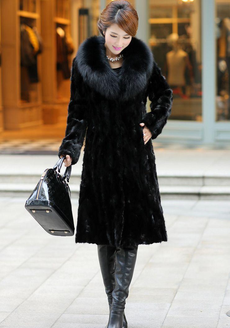 Long Black Coat With Fur Collar