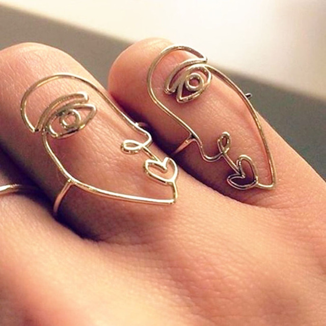 2pcs/set 2017 New Ethnic Metal Hollow Human Face Rings for Women Fashion Alloy K