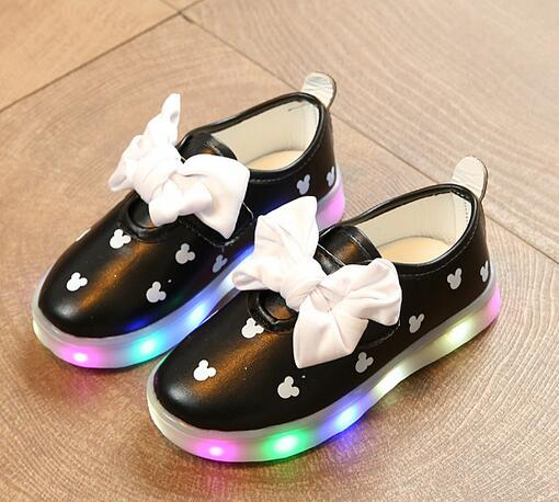 2018 Breathable slip on glowing children casual shoes unisex girls boys  sneakers LED lighted kids footwear toddlers-in Sneakers from Mother   Kids  on ... be5309c34aa9
