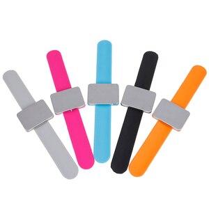 Image 2 - 5 צבעים מתכוונן מגנטי בובי פין צמיד עצמי דבק להקת יד מגנטי צלחת עבור סלון עיצוב שיער קליפ קלאמפ מחזיק