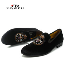 XQWFH New Style Red Shoes Fashion Men Loafers With Embroidery Crown Handmade Men Velvet Shoes Party and Wedding Men's Flat