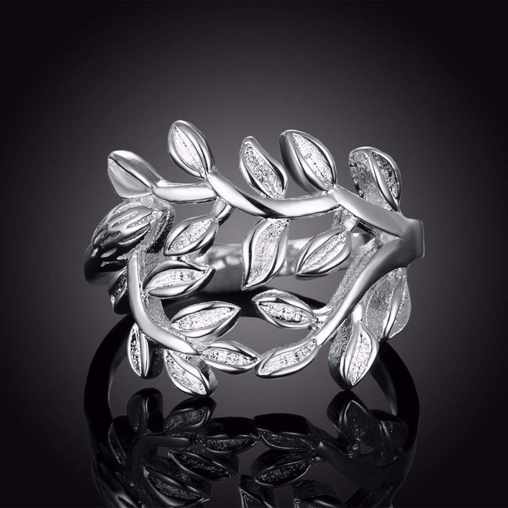 Exquisite 925 Silver Rings Creative Hollow Leaves Modeling Party Women Jewelry Jewelry Join Wedding Line